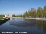 пруд у городского парка