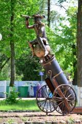памятник барону Мюнхгаузену г.Глубокое